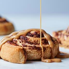 Pillsbury cinnamon roll food photography