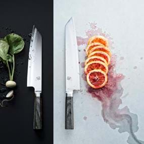 Food photography of knives